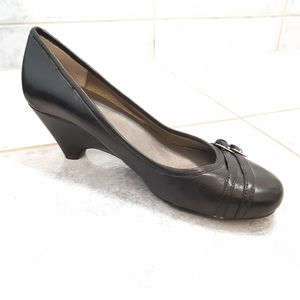 Me Too shoes size 7 Black